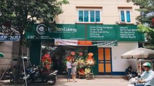 Cửa hàng trà Lộc Tân Cương tại 189 Giáp Nhất cho khách hàng tìm mua chè thái nguyên tại Hà Nội