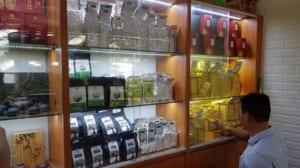 tìm mua trà thái nguyên ở tphcm tại các cửa hàng chuyên về trà là lựa chọn khả thi nhất